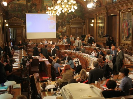 Le salle du Conseil municipal de la Ville de Lyon - LyonMag