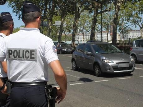 Un contrôle routier de la police, lundi après-midi à Lyon - Photo Lyonmag.com