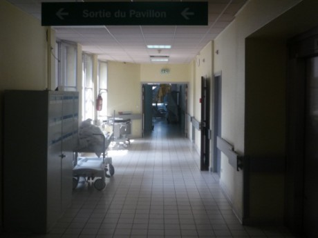 Couloir d'hôpital- Photo d'illustration- LyonMag.com