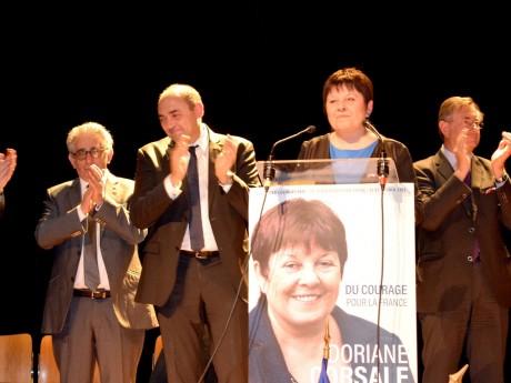 Doriane Corsale, entourée des maires de Mions et Saint-Priest - LyonMag