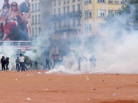 Violences place Bellecour - Photo Lyonmag.com