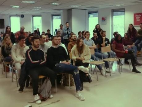 Les étudiants de l'Escen Lyon - DR