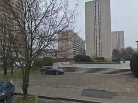 L'esplanade où s'est déroulé le meurtre - photo GoogleMaps
