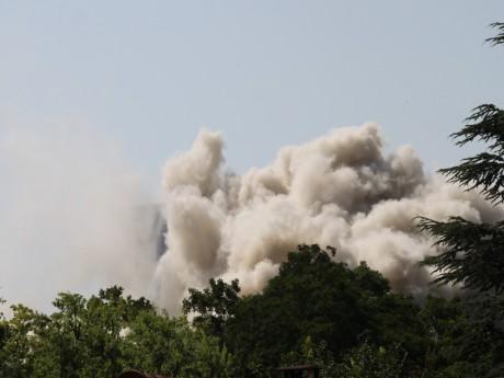 La destruction d'une barre dans l'agglomération lyonnaise - LyonMag