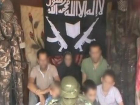 La famille réunie sur cette vidéo postée lundi sur Youtube - DR