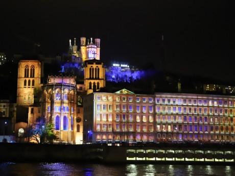 La colline de Fourvière illuminée - LyonMag