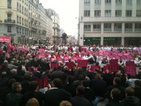 Les manifestants sur la place de la République - LyonMag.com