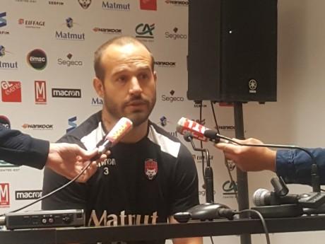 Frédéric Michalak lors du point presse d'avant match contre Montpellier - LyonMag