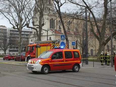 Le quartier est totalement bouclé - LyonMag