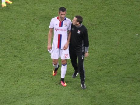 Maxime Gonalons, sorti sur blessure mercredi au Parc OL - LyonMag