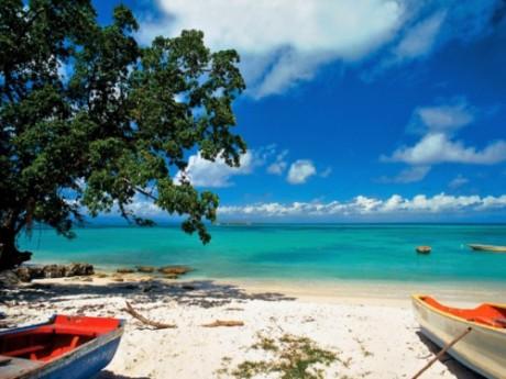 Une plage guadeloupéenne - DR