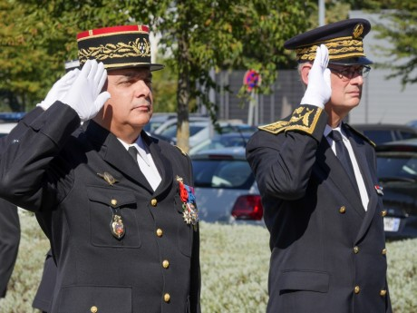 Philippe Guimbert et Stéphane Bouillon au garde-à-vous - DR