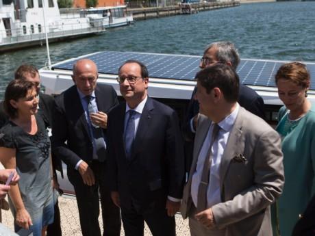 François Hollande en visite au port Edouard Herriot - DR CNR