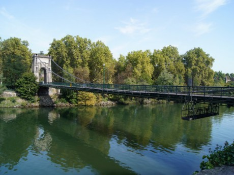 Le pont de l'Ile Barbe - DR L. Bonnet