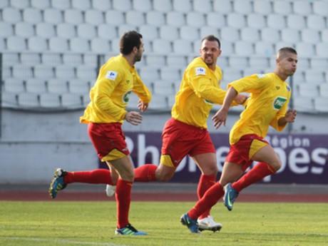 Les Duchèrois, qui jouent en CFA contre la réserve de l'OL, auront l'occasion de se frotter aux stars en janvier - DR