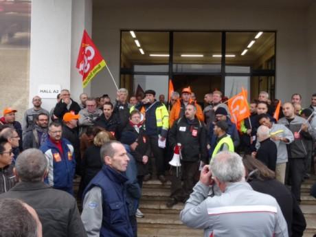 Philippe Meunier et Yves Blein se mobilisent pour les salariés du groupe Volvo AB - LyonMag