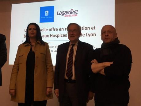 Fouziya Bouzerda, adjointe au Commerce à la Ville de Lyon, Dominique Deroubaix, président des HCL et le chef Thierry Marx - LyonMag