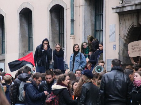Le Lycée Ampère bloqué dans le 2e arrondissement - LyonMag
