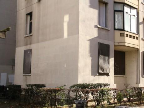 Les policiers ont scellé les fenêtres du tripot, sauf une - LyonMag