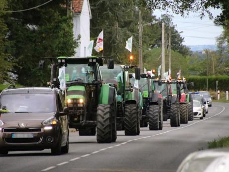 Les six tracteurs partis au nord de Lyon ce mardi - LyonMag