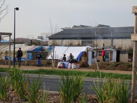 Le camp sauvage de Vaulx-en-Velin - LyonMag