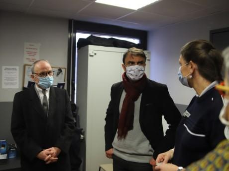 Pascal Mailhos et Grégory Doucet lors de leur visite ce mercredi - LyonMag