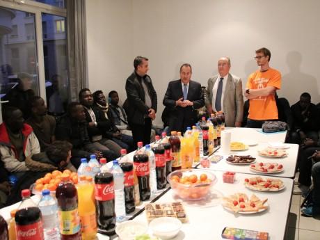 Les migrants avaient été accueillis par le préfet du Rhône - LyonMag