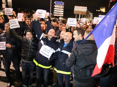 Les policiers avaient été rejoints par des pompiers à Lyon le 26 octobre - LyonMag