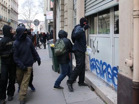 Les casseurs à l'oeuvre à Lyon - LyonMag