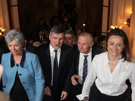Christophe Guilloteau, applaudi à la préfecture - LyonMag