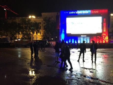 La fan-zone déserte après l'intervention des forces de l'ordre mercredi dernier - LyonMag