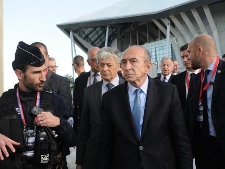 Gérard Collomb devant le Parc OL ce samedi - LyonMag