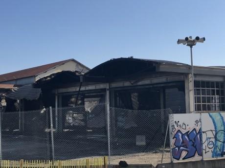 L'entrepôt sinistré ce mercredi matin - LyonMag