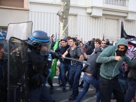 Des affrontements entre jeunes et CRS - LyonMag
