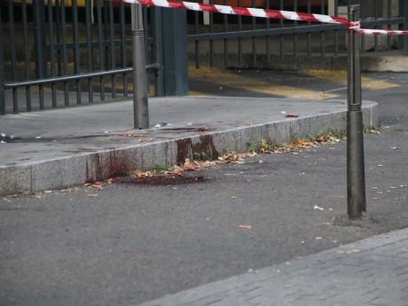 Le trottoir garde encore les marques du fait divers - LyonMag