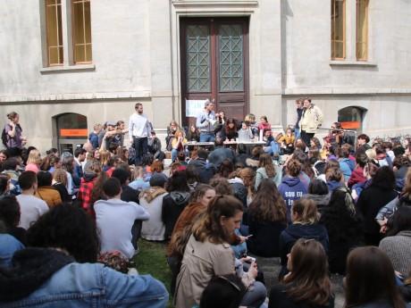 Une AG d'étudiants de Lyon 2 - LyonMag