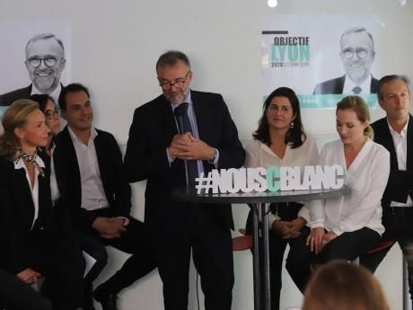 Etienne Blanc et quelques conseillers lors de la présentation officielle - LyonMag.com