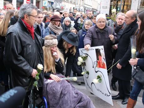Une marche blanche avait été organisée pour rendre hommage à Anne-Laure - LyonMag