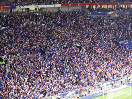 Le public tricolore au Groupama Stadium ce samedi - LyonMag