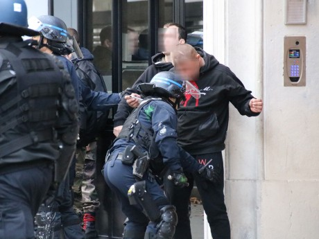 32 interpellations et de nombreux contrôles d'identité à Lyon samedi - LyonMag