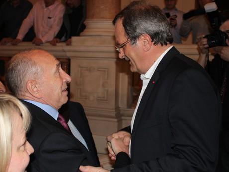 Gérard Collomb, accueilli par le préfet - LyonMag