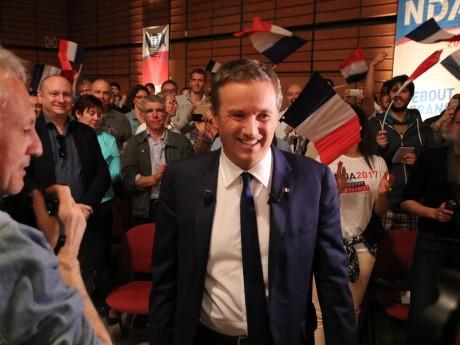 Nicolas Dupont-Aignan lors de son arrivée à la Cité Internationale - LyonMag