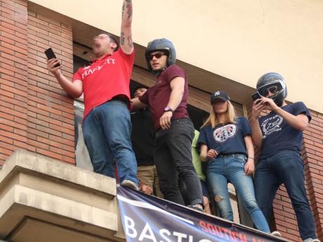 Steven Bissuel (flouté à gauche) et ses troupes - LyonMag