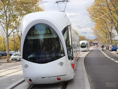 Une rame du nouveau tramway T6 - LyonMag