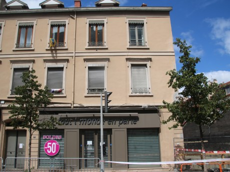 L'un des immeubles fissurés cours Émile-Zola, à Villeurbanne - LyonMag