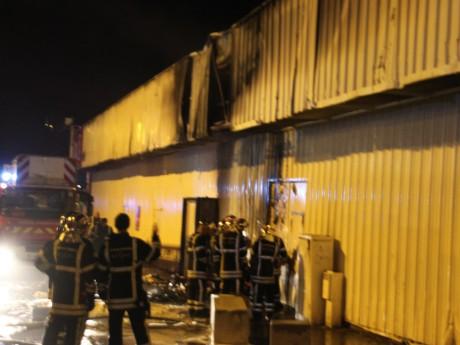 Les pompiers sont intervenus rapidement sur le site à Vénissieux - LyonMag