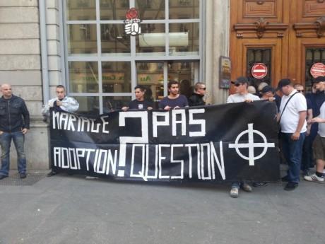 Les manifestants avant d'être délogés par la police - Lyonmag