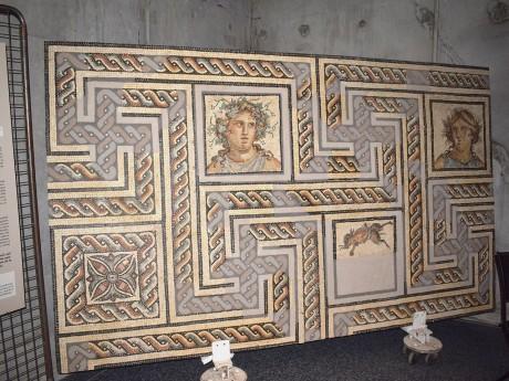 Une mosaïque découverte place Sathonay en 1820 - LyonMag