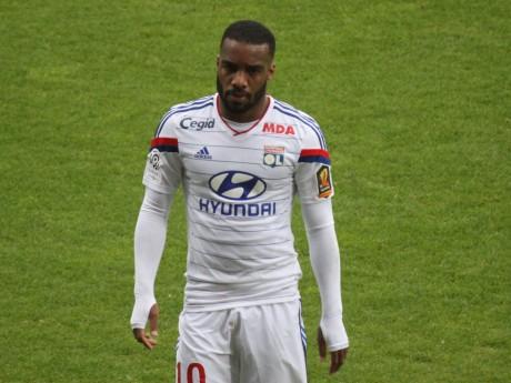 Un contrat en or pour Alexandre Lacazette - LyonMag