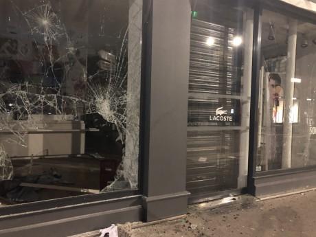 La boutique Lacoste rue du Président Edouard Herriot pillée - LyonMag